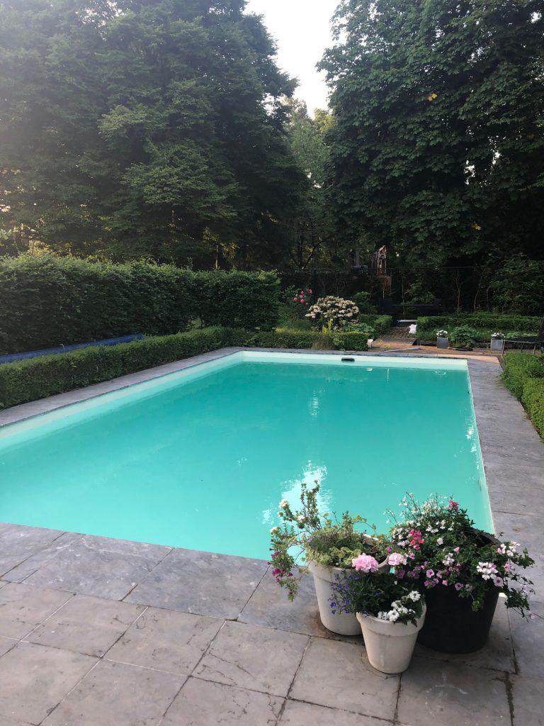 Renovatie zwembad met water